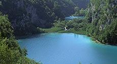 Серебряное озеро с пещерой